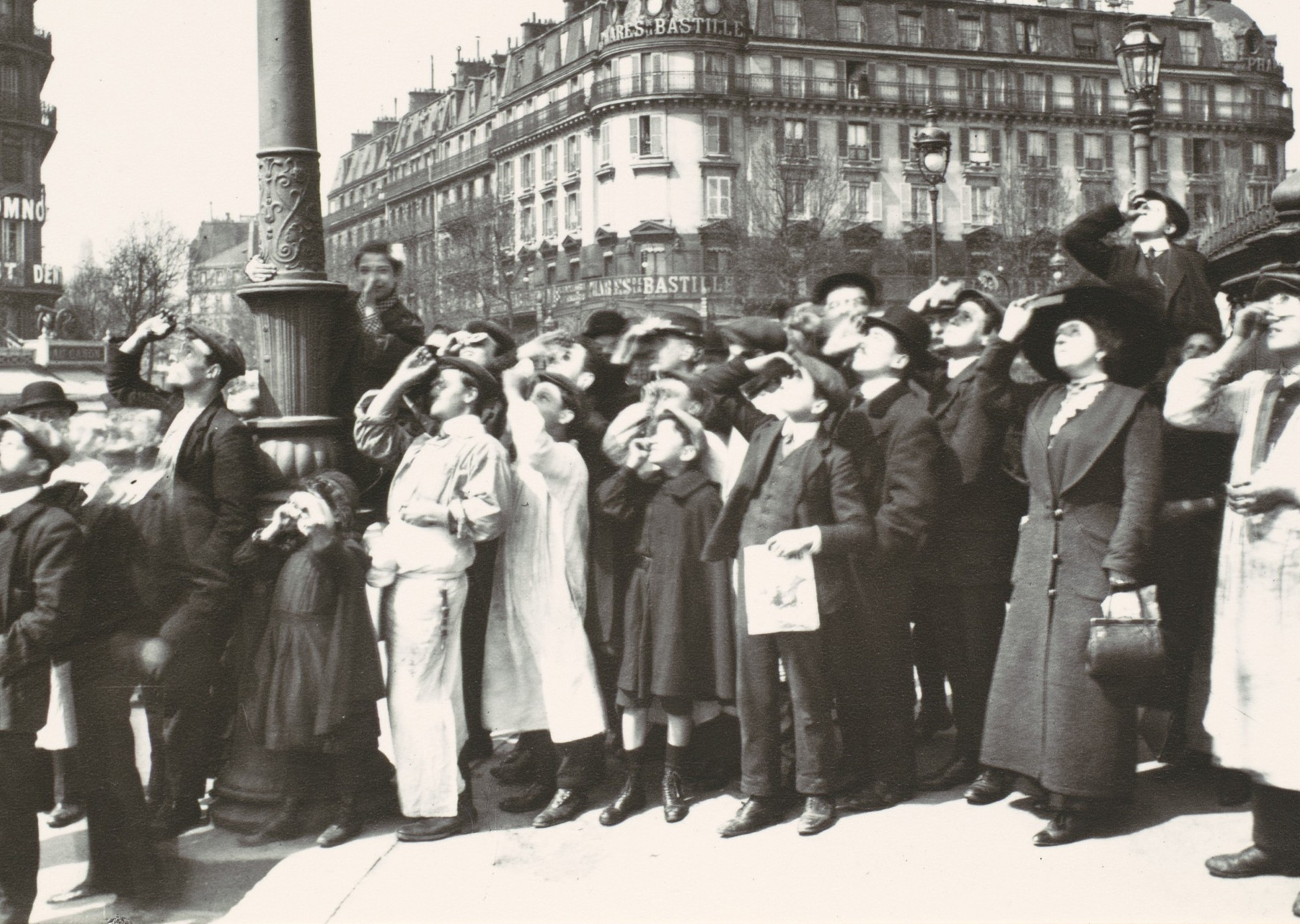 "Eugène Atget, ""Eclipse"", Paris, 1912."